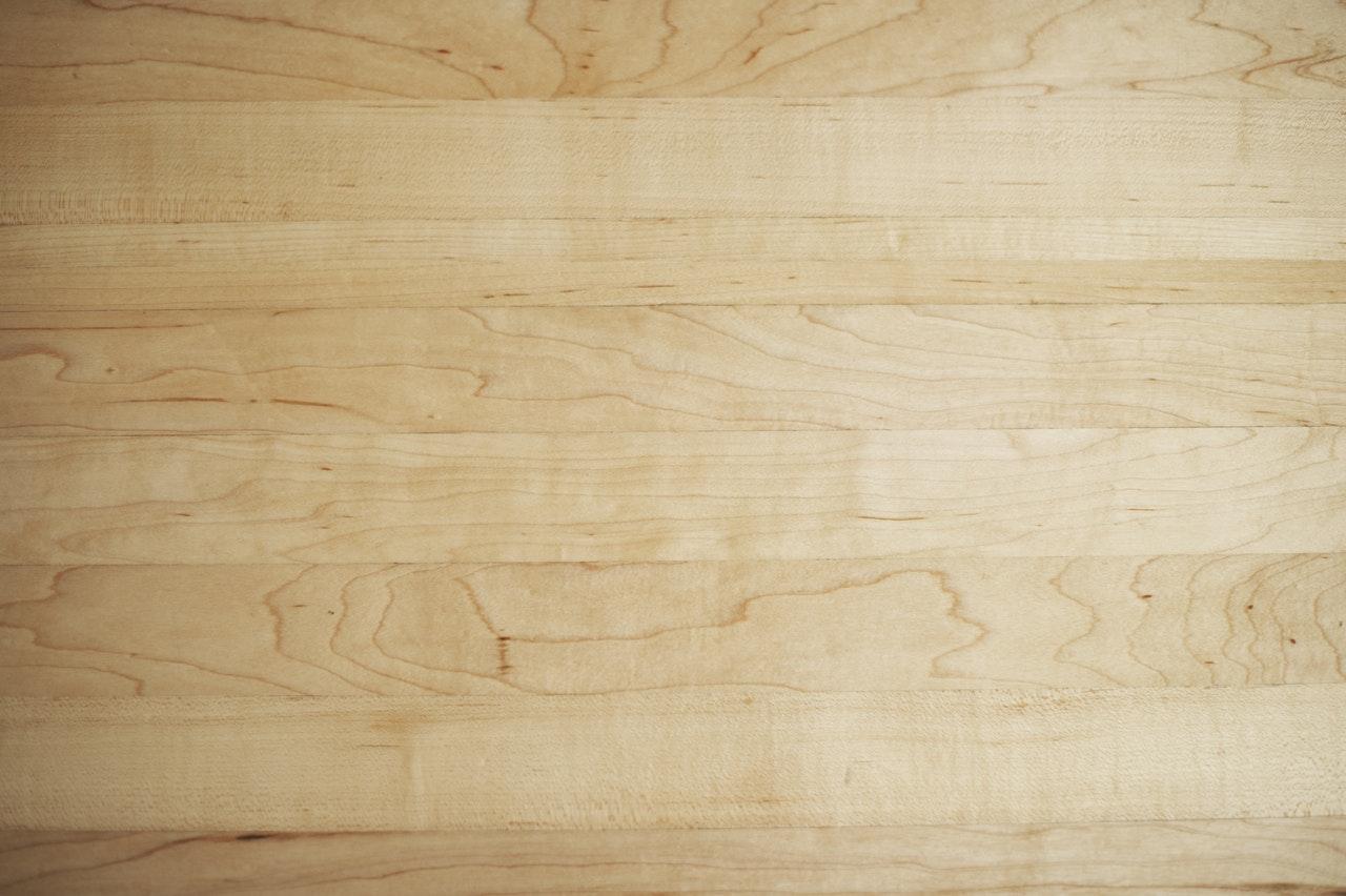βουρτσισμα ξυλου